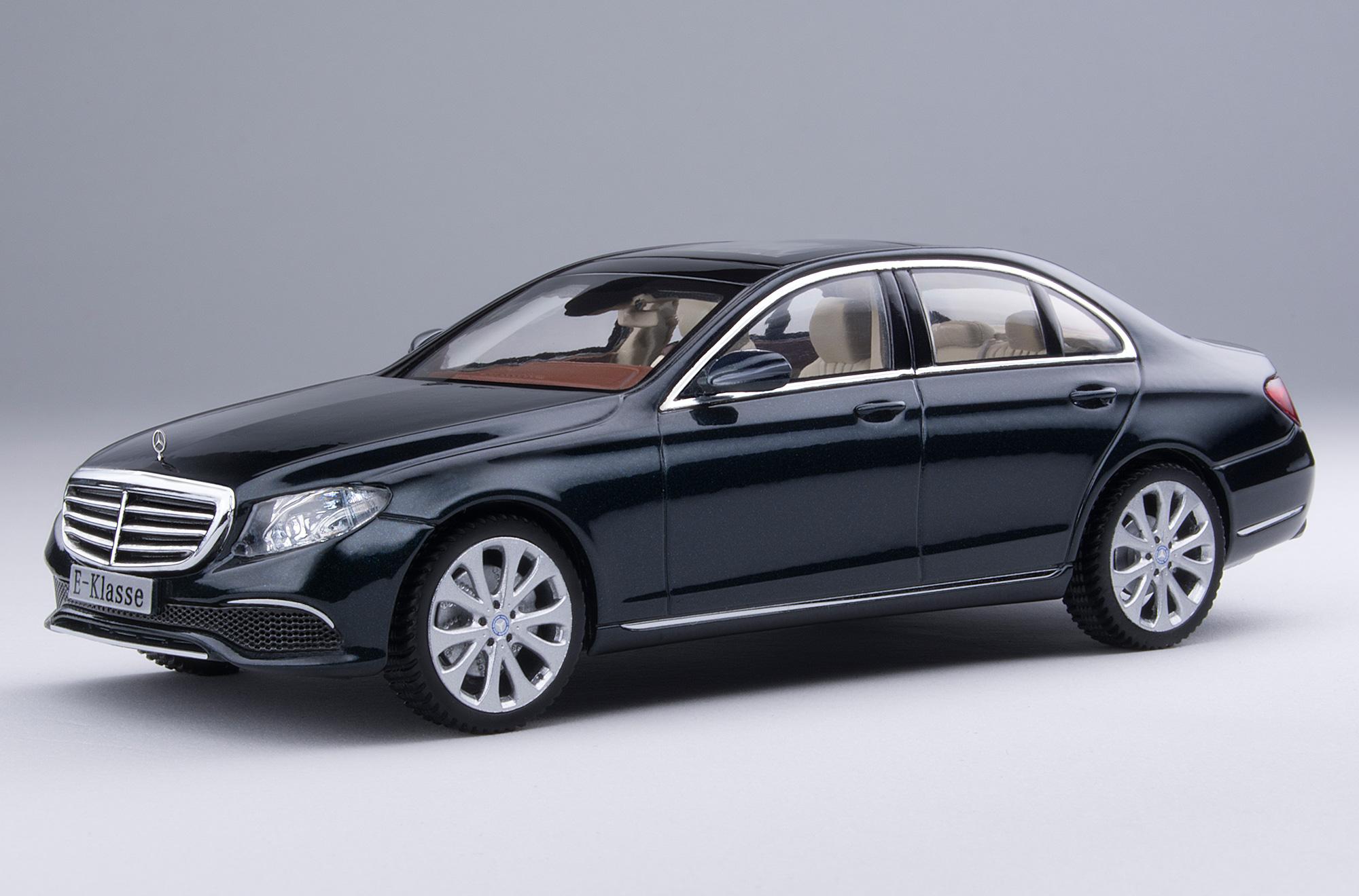 iScale MERCEDES E Klasse Limousine Elegance schwarz