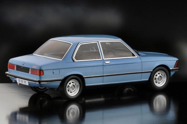 KKScale BMW 318i, metallicblau