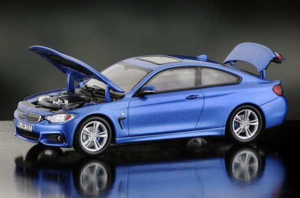 iScale BMW 4er Coupe, estorilblau