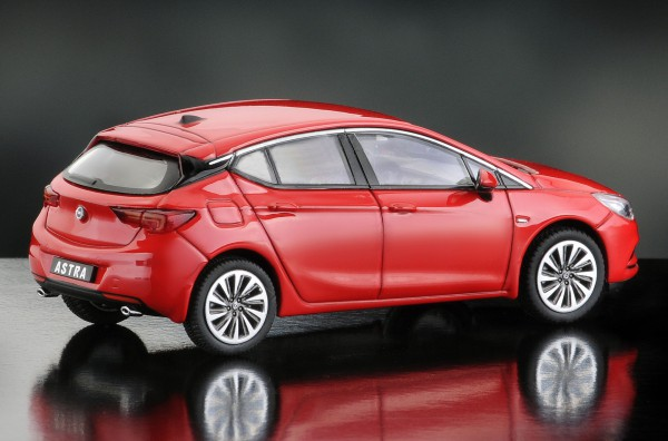 iScale OPEL Astra, rot