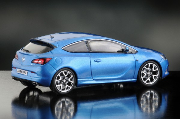 iScale OPEL Astra OPC, blau