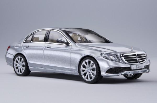 iScale MERCEDES E-Klasse Limousine Elegance, diamantsilber