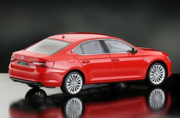 iScale SKODA Superb Limousine 2015, corridarot