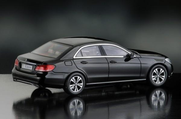 iScale MERCEDES E-Klasse Limousine Avantgarde, obsidianschwarz