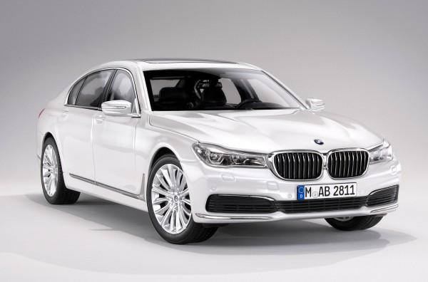 iScale BMW 7er IL, weiß