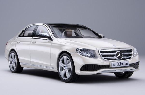 iScale MERCEDES E-Klasse Limousine Avantgarde, diamantweiß