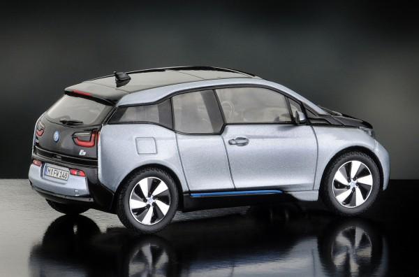 iScale BMW i3, ionicsilber