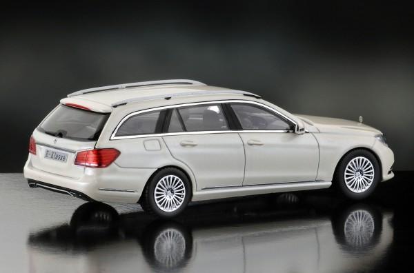iScale MERCEDES E-Klasse T-Modell Elegance, weiß
